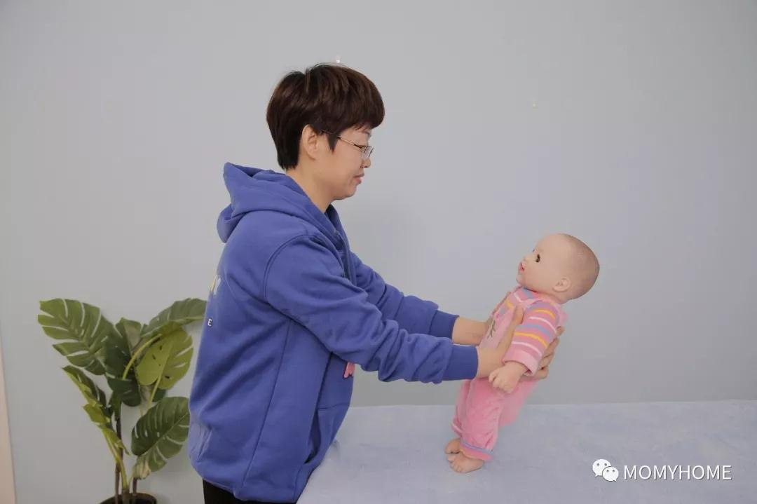 MOMYHOME日托隶属的运动宝贝教育集团成为人力资源和社会保障部门面向社会建立的高级育婴师培训、育婴师职业师资实训基地